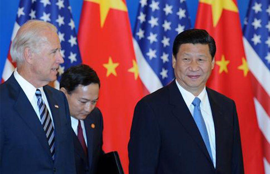 លោក ចូ បៃឌិន និងលោក ស៊ី ជីនពីង កាលពីពេលកន្លងទៅ។ (china-embassy.org)